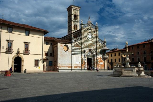 Prato il mercato del forte torna in piazza duomo for Mercato prato