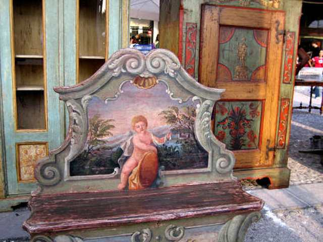 Prato collezionare in piazza a prato con banchi di for Piazza san francesco prato