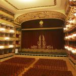 Stagione Teatrale 2016-17 al Teatro Verdi di Firenze, alcuni dei protagonisti: Sandra e Amanda Sandrelli, Finocchiaro, Montesano, De Sica, Siano, Brignano