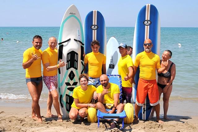 Tirrenia mare libera tutti al bagno degli americani di tirrenia giochi surf sup e cena - Bagno degli americani tirrenia ...
