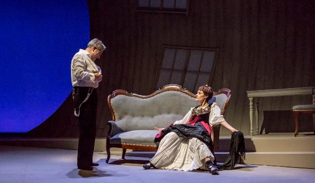 Casa di bambola di Henrik Ibsen al Teatro Verdi