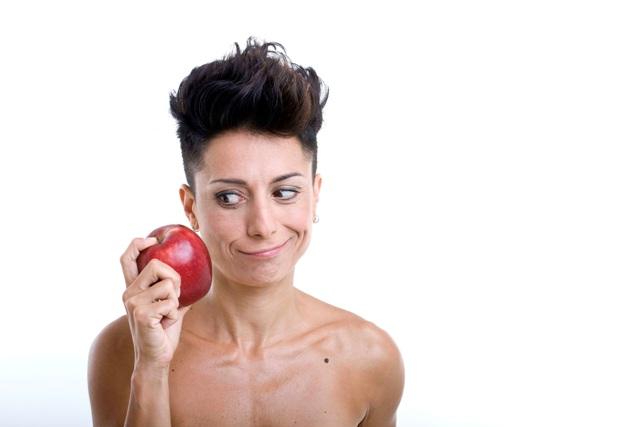 """Eva e il """"dilemma"""" della mela: quando il """"sesso debole"""" si ribella al Teatro Multisala Boccaccio"""