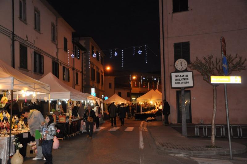 Fornacette sotto l'albero: mercatini e intrattenimento in centro