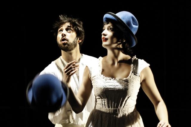 Finzi Pasca in Bianco su bianco al Teatro Puccini