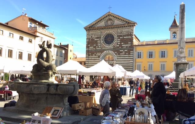 """""""Collezionare in Piazza"""" a Prato"""