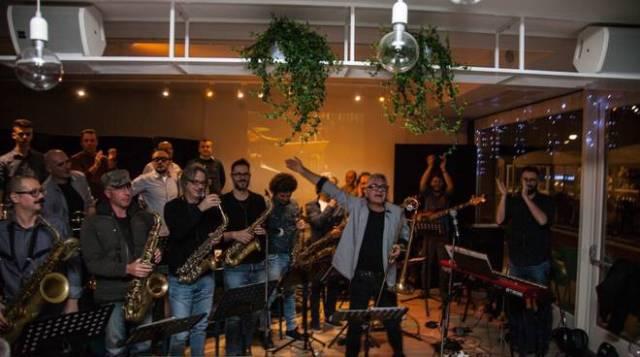 Stefano Scalzi e Libero Orchestra alla Rocca degli Alberti