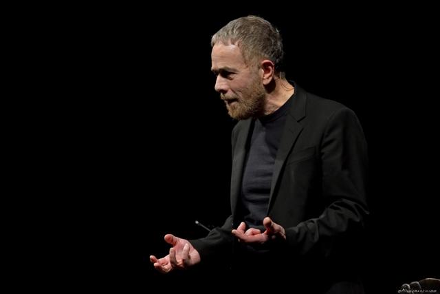 Lavia dice Leopardi. Il recital di Gabriele Lavia apre la stagione di prosa alla Città del Teatro