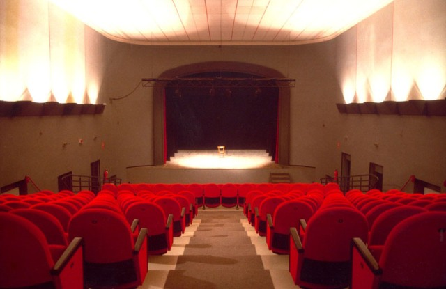 Stagione Teatrale 2017/2018 al Teatro di Rifredi con una vasta scelta di spettacoli e rappresentazioni con ospiti prestigiosi e giovani artisti
