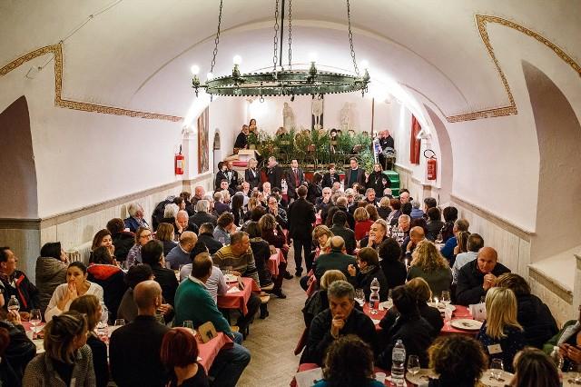 Tornano le Cena Galeotte in cucina con Pierino Rosace da ex ospite del carcere oggi chef, in cucina con gli studenti degli alberghieri di Toscana