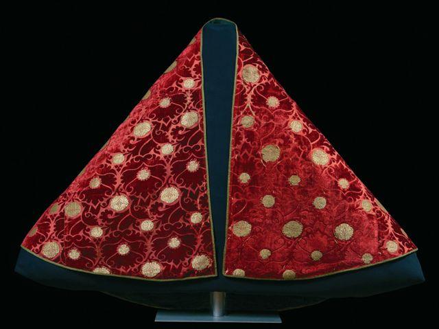 Tessuto e ricchezza a Firenze nel Trecento. Lana, seta, pittura alla Galleria dell'Accademia