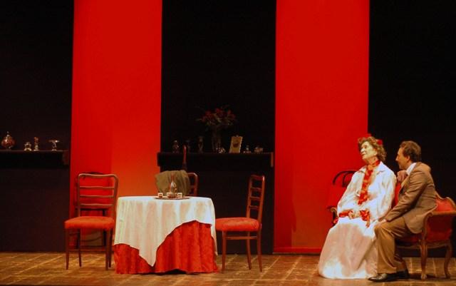 """Teatro Reims: a dicembre """"Gallina Vecchia"""" e brindisi di Capodanno con """"Festa in Famiglia"""""""