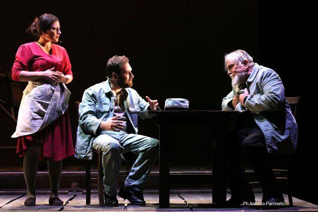 Il Casellante di Andrea Camilleri e Giuseppe Dipasquale al Teatro Verdi con Moni Ovadia