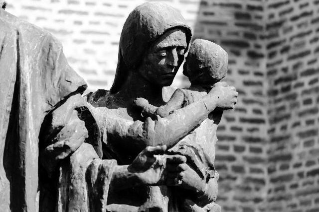 Giornata della memoria, i sogni infranti dei bambini deportati: mostra all'Oratorio di San Carlo a Castelfiorentino