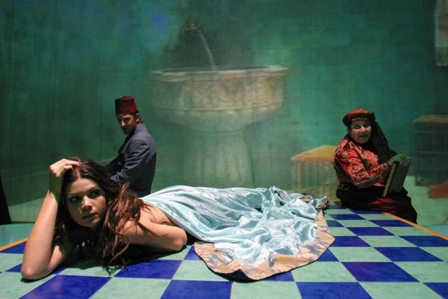 """L'Ultimo Harem liberamente ispirato ai racconti de """"Le mille e una notte"""" e di Nazli Eray al Teatro di Rifredi"""