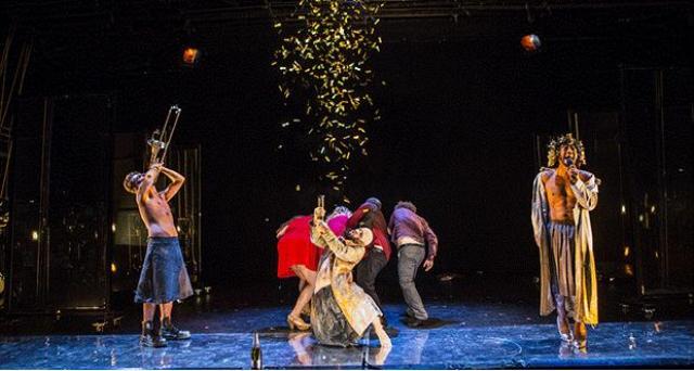 esibizione sul palco