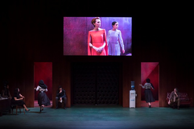 Ifigenia, Liberata del regista Carmelo Rifici al Teatro Fabbricone