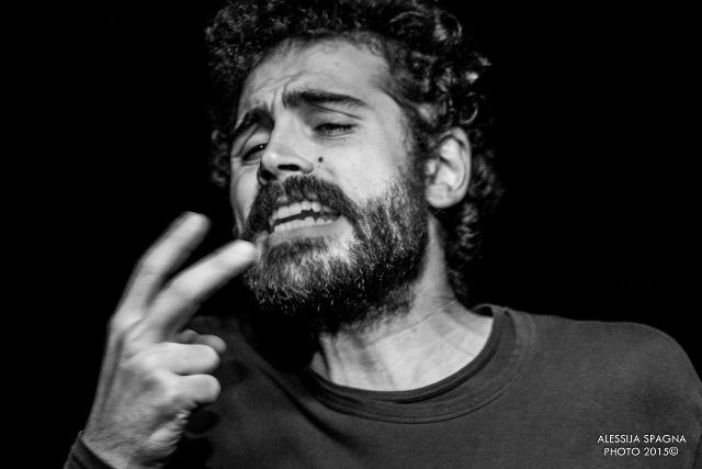Storie di mare e pescatori tra i flutti dello Jonio con Carlo Gallo in scena al Teatro delle Arti