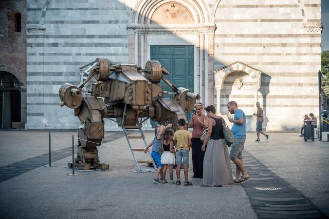 """Cartasia cambia nome e diventa """"Lucca Biennale"""", caos e silenzio i temi della nona edizione"""