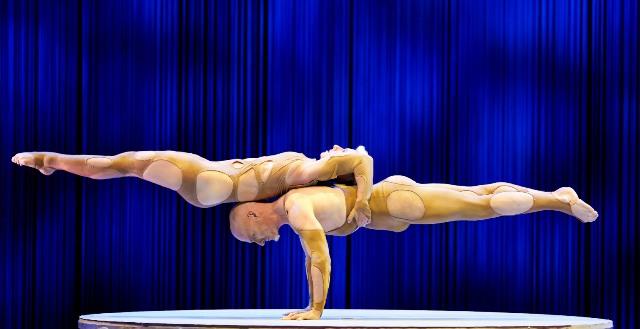 Alis lo spettacolo di Le Cirque World's Top Performers con i migliori artisti dal Cirque du Soleil e del Nouveau Cirque all'Obihall