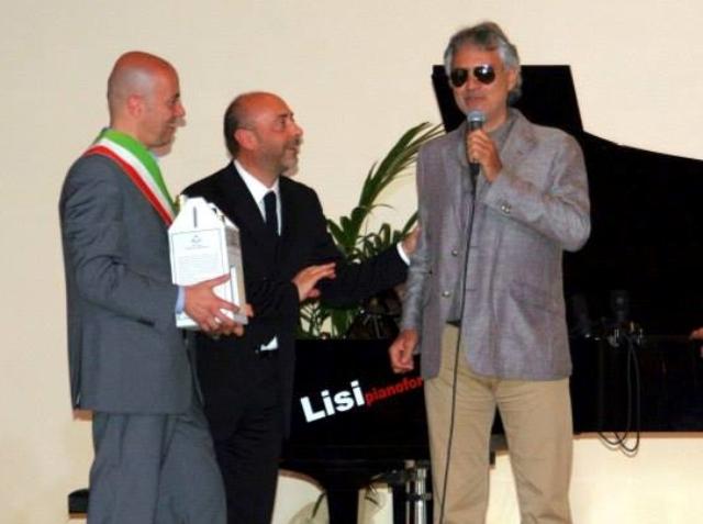 Concerto a Vicopisano con Carlo Bernini, direttore artistico e pianista di Andrea Bocelli e tanti bravi artisti