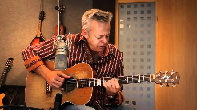 Tommy Emmanuel con il Tour Accomplice one all'Obihall