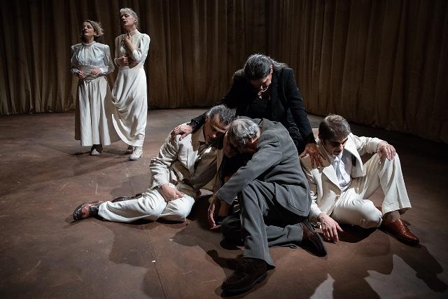 Quasi una Vita, scene di Chissàdove al Teatro Era di Pontedera