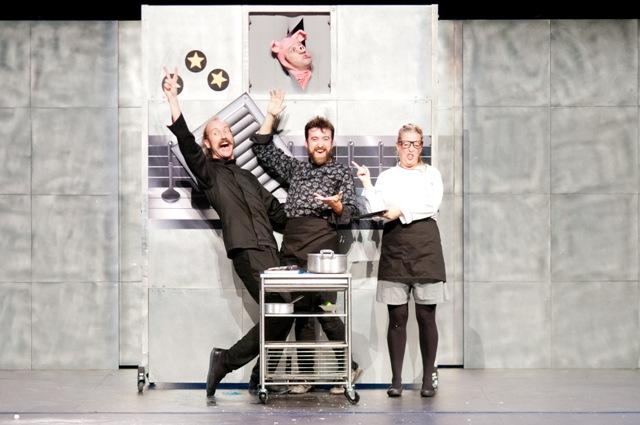 Chefs è un esilarante parodia della nuova mania collettiva per l'alta cucina al Teatro di Rifredi
