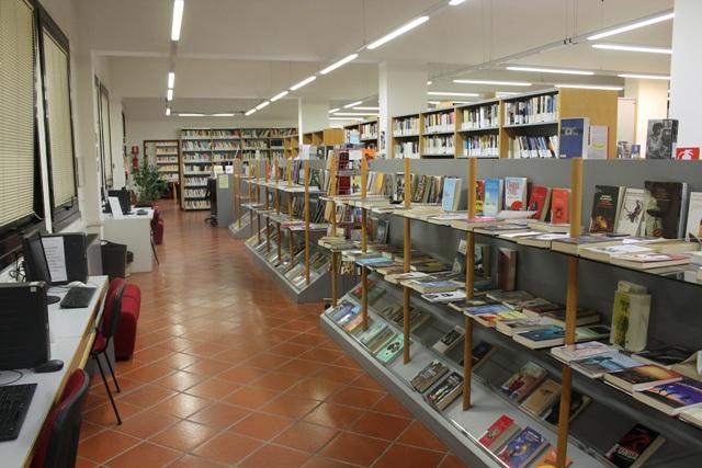 Leggere d'estate: tre appuntamenti notturni con la biblioteca