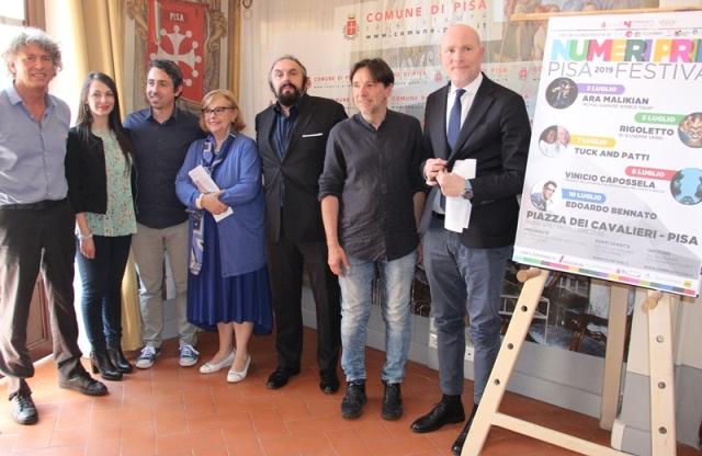 Piazza dei Cavalieri tiene a battesimo Numeri primi Pisa festival con Ara Malikian, Capossela, Bennato, Tuck and Patti e Rigoletto