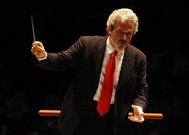 Piovani dirige Piovani al Musart Festival in piazza SS. Annunziata