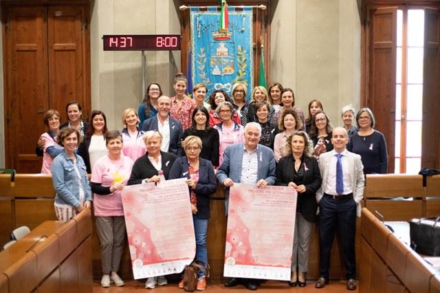 Ottobre Rosa prevenzione dei tumori. Monumenti illuminati tante iniziative nell'Empolese Valdelsa