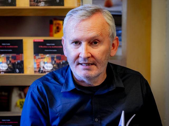 Presentazione del libro L'Inverno dei Mirtilli di Stefano Vestrini alla Libreria Rinasciata