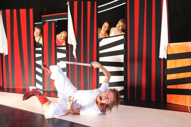 Antonio Rezza in Anelante al Teatro Fabbricone