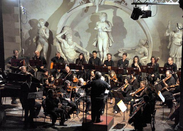 Walt Disney Fantasy con l'Orchestra da Camera Fiorentina, direttore Giuseppe Lanzetta al Teatro Romano di Fiesole