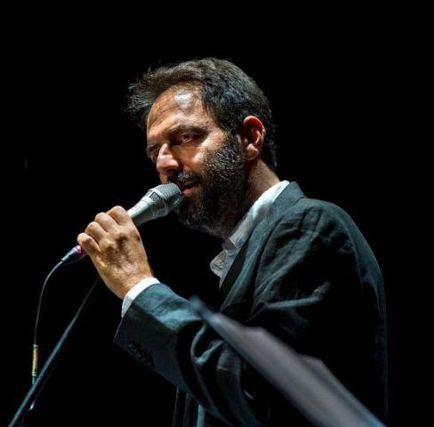 Neri Marcorè le mie canzoni altrui al Teatro Romano di Fiesole