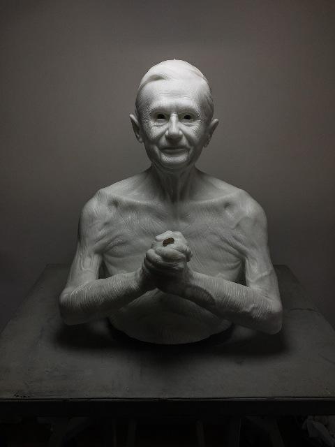 Arte: è l'edizione del social artist Jago, è stato il primo a inviare una scultura in marmo nello spazio