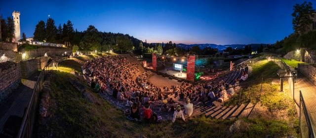 Estate Fiesolana 2020 al Teatro Romano continua anche a settembre in arrivo: Bisio, Boosta, Michielin, Lucio Corsi