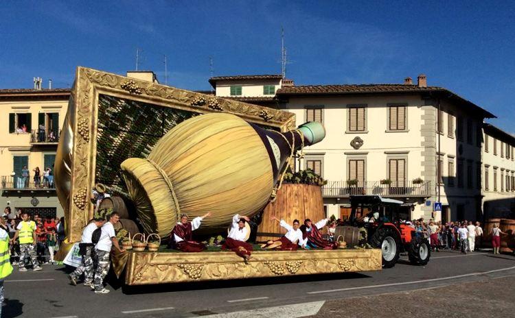 Impruneta ] Festa dell'Uva di Impruneta | Tempo Libero Toscana | Eventi,  sagre, mostre della Toscana