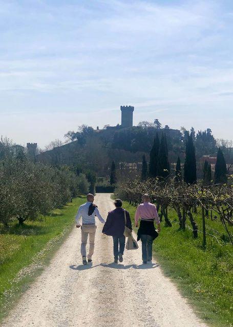 Camminata tra gli olivi a Vicopisano, Città dell'Olio