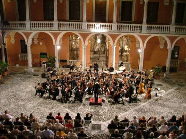 Al via la stagione busoniana Dal Vivo protagonista Beethoven con l'Orchestra Sinfonica di Grosseto e Marco Vincenzi