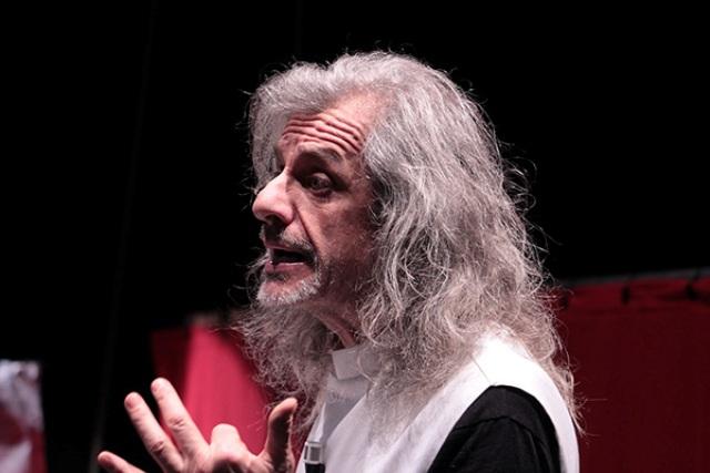Trascendi e sali con Alessandro Bergonzoni al Teatro Politeama