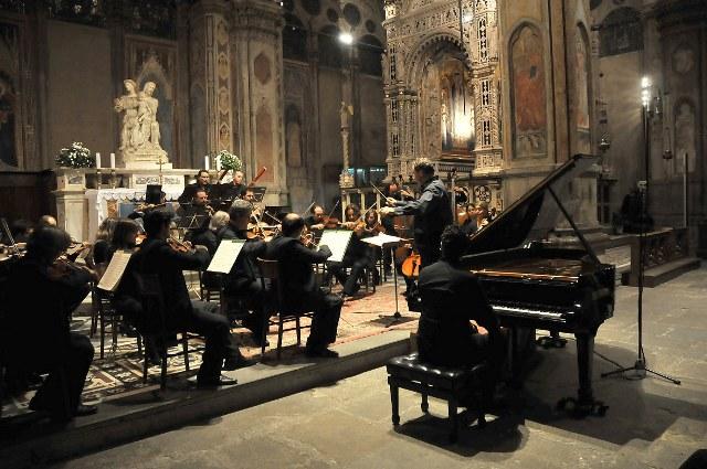 Orchestra Toscana Classica con i solisti Orio e Sergio Odori, musiche di W.A. Mozart