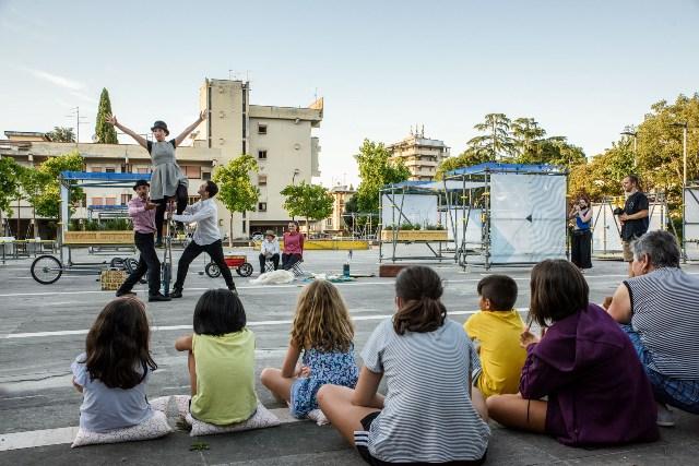 Fuori centro racconti urbani: circo contemporaneo, musica e teatro